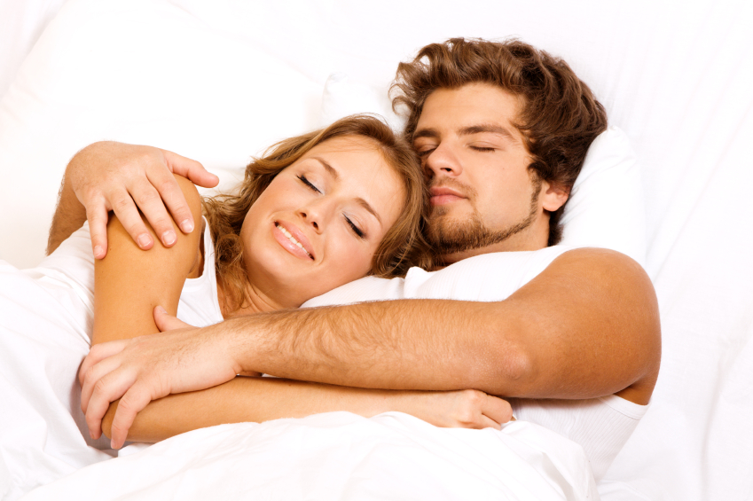 the-10-best-and-worst-sleeping-positions-for-couples